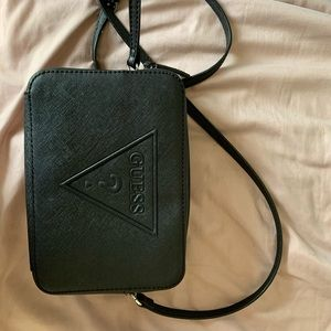Classic GUESS little everyday crossbody bag